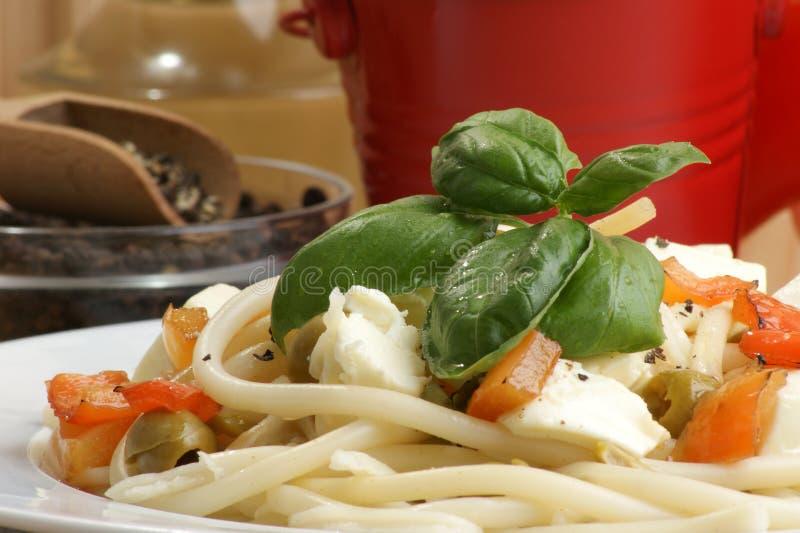 дом сделал органическое спагетти красного цвета паприки стоковое фото