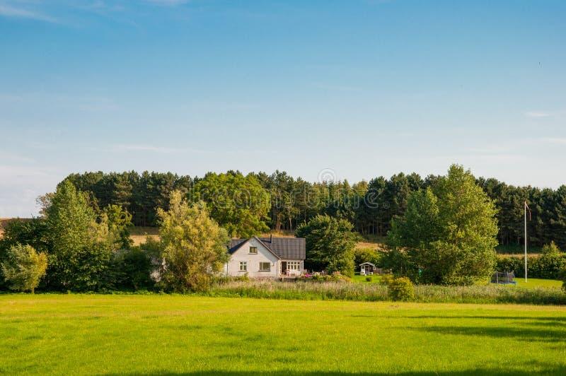Дом сельской местности в Дании стоковая фотография rf