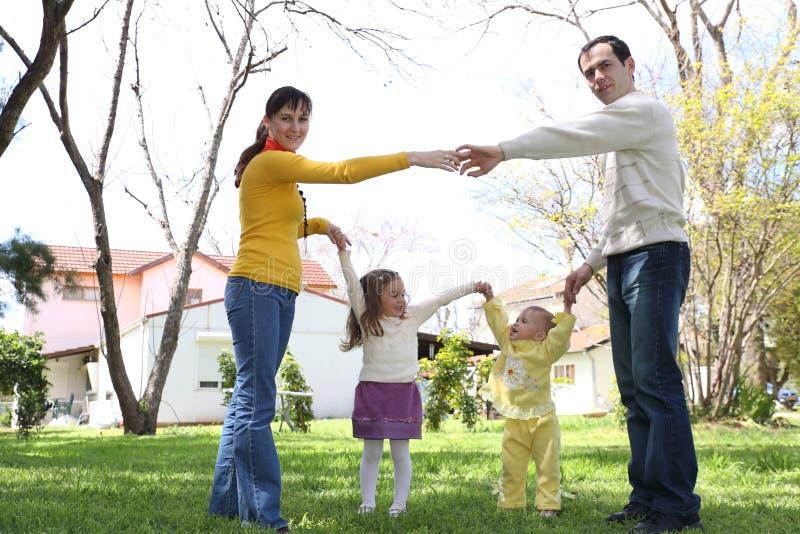 дом семьи передняя стоковое изображение