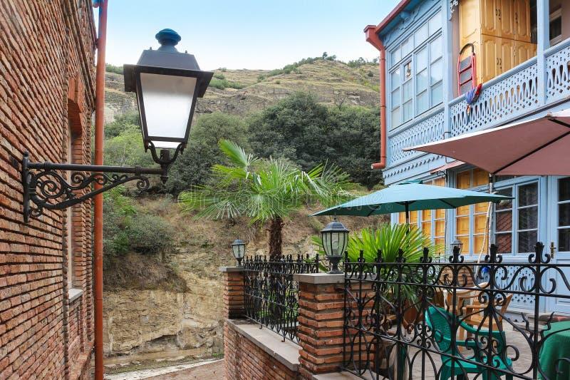 Дом с горным видом стоковая фотография