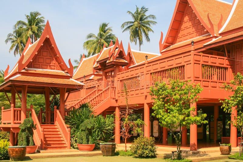 Дом тайского стиля деревянный стоковая фотография rf