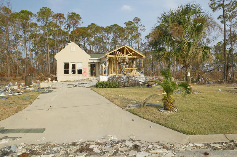 Дом тяжело ударила Ураганом стоковое фото rf