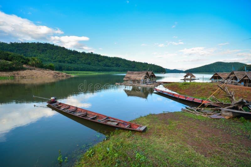 Дом шлюпки ландшафта стоковая фотография rf
