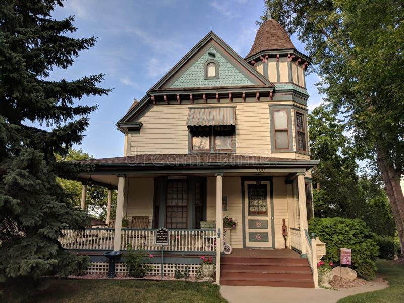 Дом Architure стиля ферзя Энн в историческом районе Sioux Falls стоковое фото rf