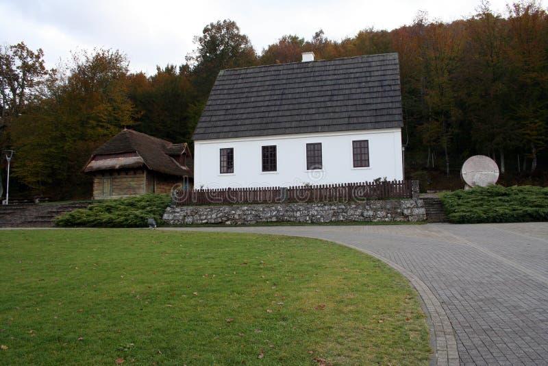 Дом Nikola Tesla Хорватии Smiljane стоковые фотографии rf