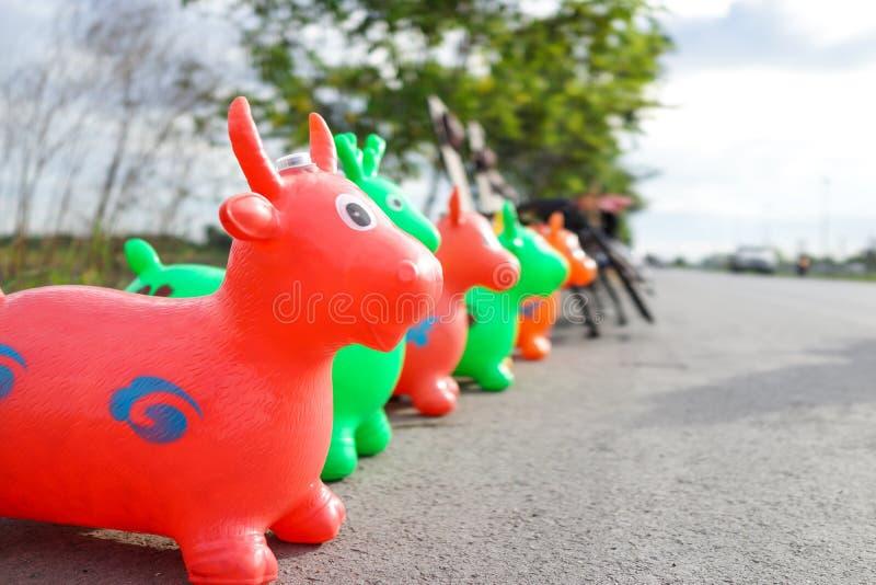 Доработанная версия игрушки детей икры конкуренции красочная стоковое изображение