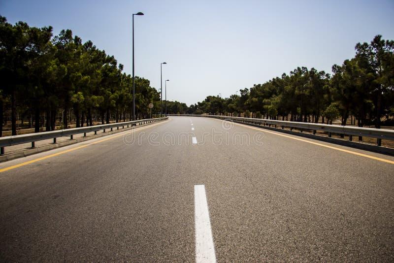 Дорога асфальта, деталь новой дороги движения стоковая фотография rf