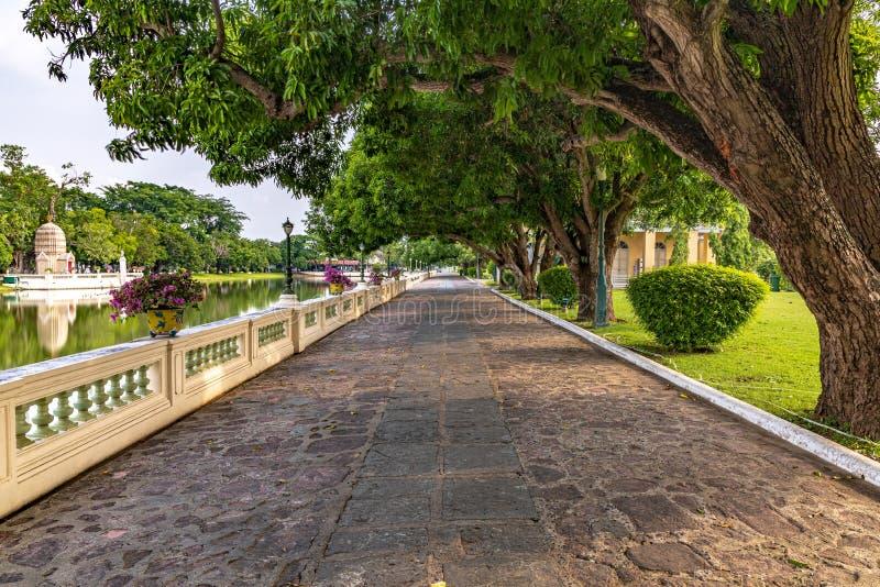 Дорога во дворце боли челки стоковые фото