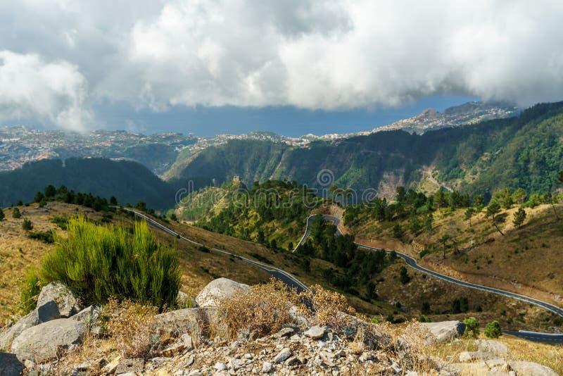 Дорога в горах стоковые фото