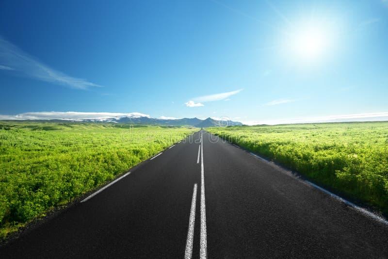 Дорога в лете Исландии стоковая фотография rf