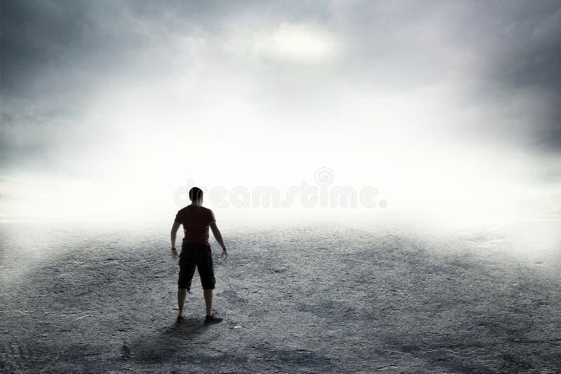 Дорога в сильном тумане стоковая фотография