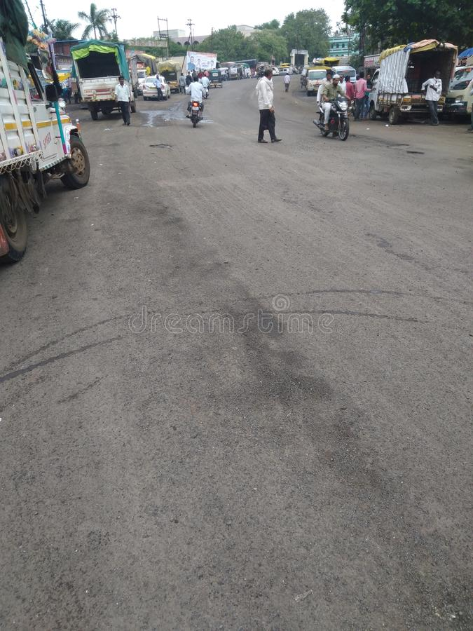 Дорога городков в дорогах Индии внутренних соединенных с широкими дорогами стоковое изображение