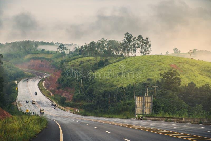 Дорога горы после дождя стоковая фотография rf