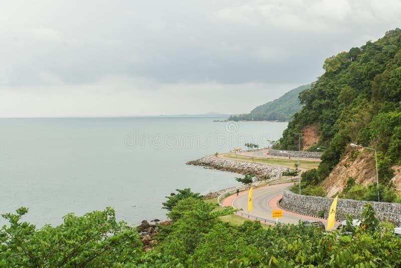 Дорога изогнутая ориентир ориентиром в точке зрения Noen Nangphaya стоковое изображение rf
