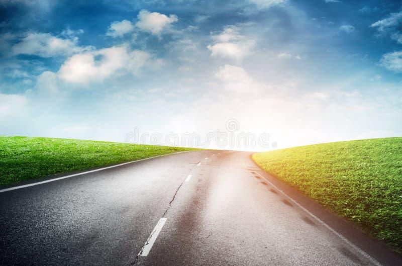 Дорога и небо лета стоковые изображения rf