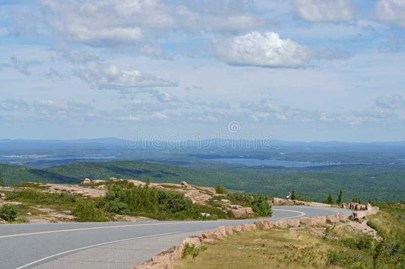 Дорога к национальному парку Acadia на горе Кадиллака стоковое фото