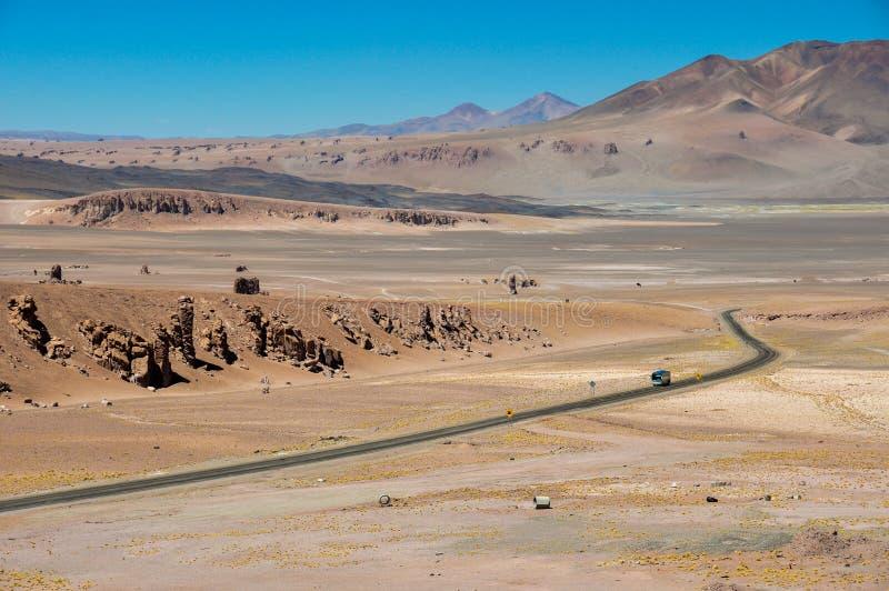 Дорога к Paso de Jama в северной Чили стоковое изображение