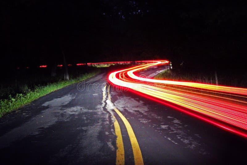 Дорога на ноче стоковое изображение rf