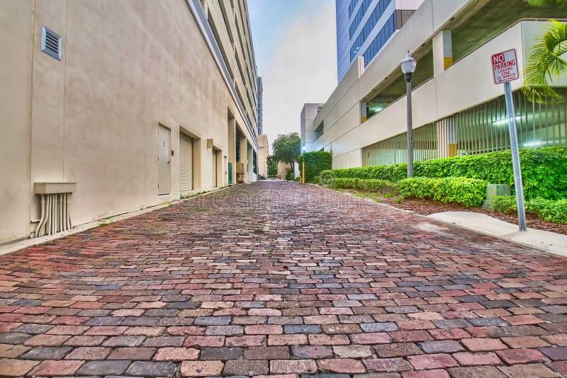 Дорога переулка булыжника задняя стоковые фотографии rf