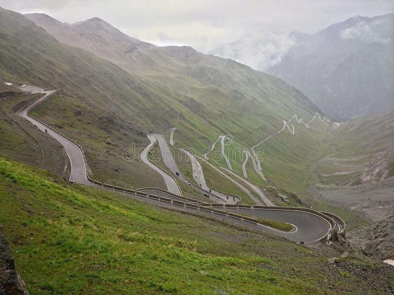 Дорога пропуска Stelvio стоковое фото rf