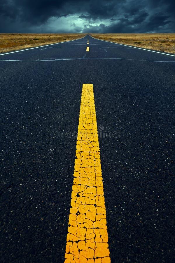 дорога сумрака стоковая фотография rf