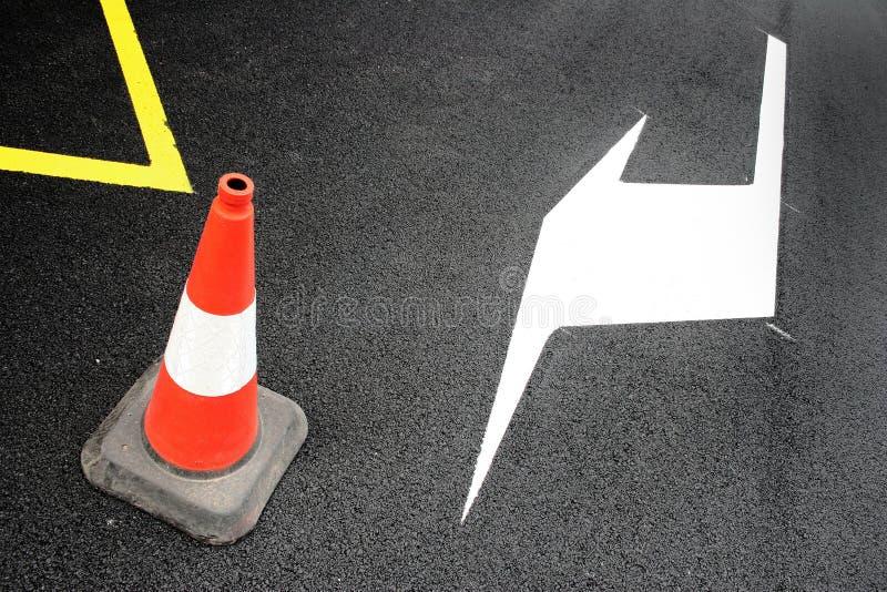 Download дорога стоковое изображение. изображение насчитывающей профилактическо - 1193499
