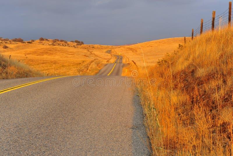 Download дорога california стоковое изображение. изображение насчитывающей небо - 17603809