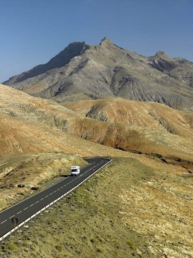 дорога rv fuerteventura пустыни стоковые фото