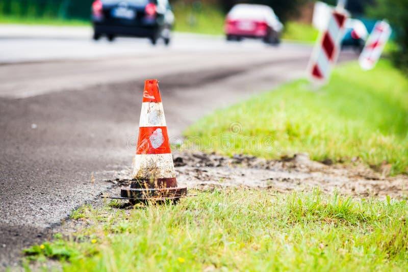 Дорожная работа лета Возобновление дороги стоковое изображение rf