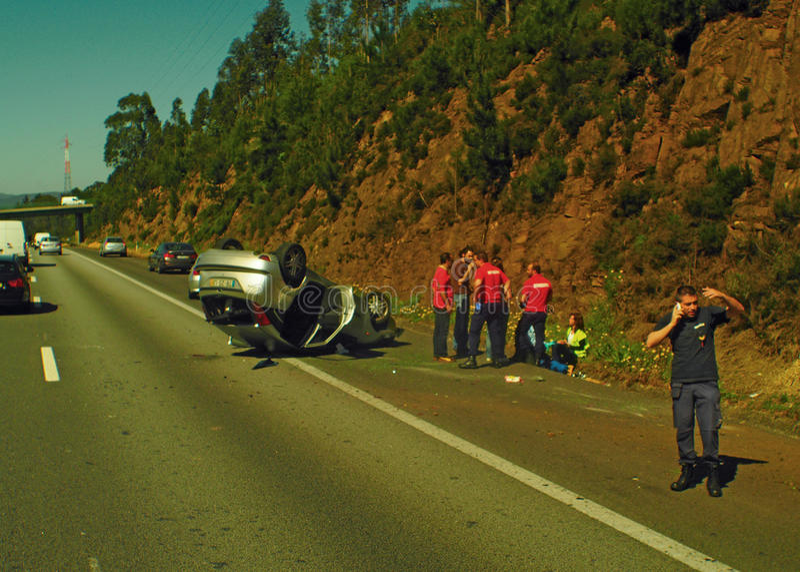 Дорожное происшествие на шоссе стоковая фотография