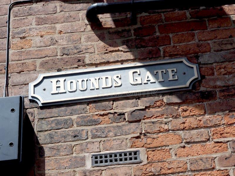 Дорожный знак Ноттингем ворот гончих стоковые изображения rf