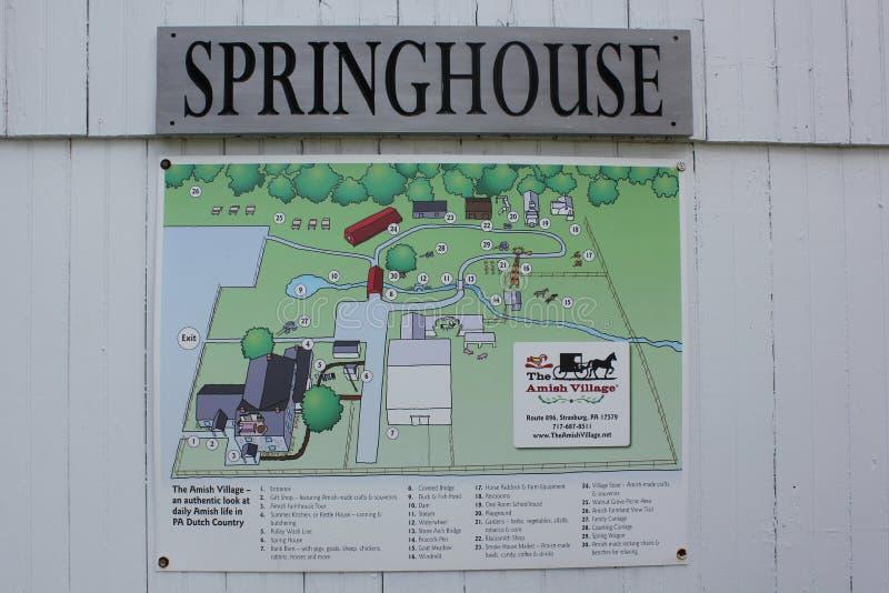 Доска знака дома весны на деревне Амишей стоковые изображения