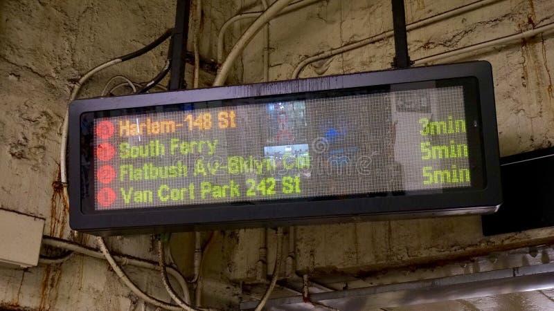 Доска информационного дисплея метро Нью-Йорка стоковые фото