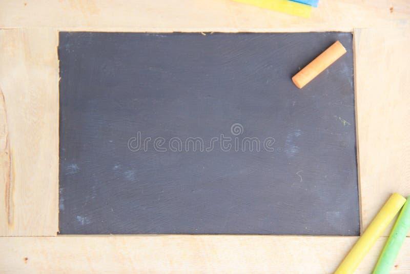 Доска для космоса экземпляра с красочными частями мела стоковое изображение rf