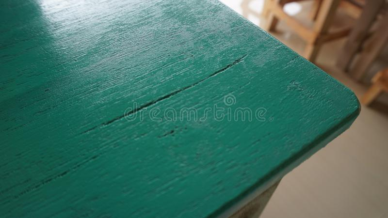 Доски деревянного стола в зеленом цвете бирюзы стоковые фотографии rf