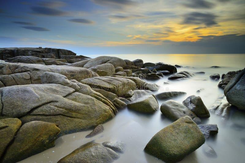 Долгая выдержка захода солнца на море, khao hin Larn стоковое фото rf