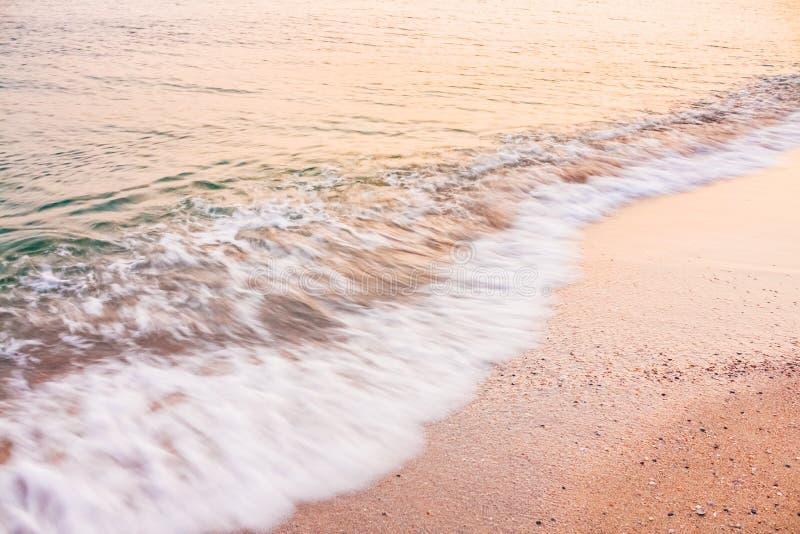 Долгая выдержка пляжа воды океана моря стоковые фотографии rf