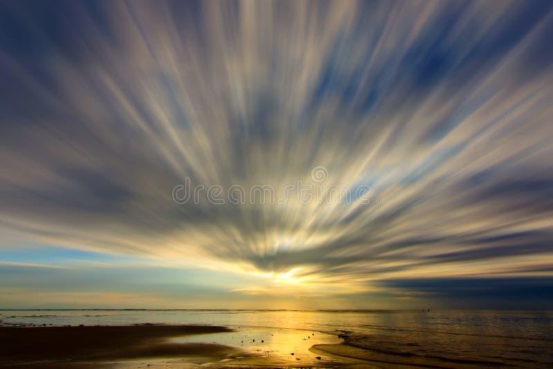 Долгая выдержка снятая облаков стоковые изображения