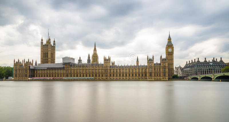 Долгая выдержка сняла большого Бен и парламента Великобритании, Лондона стоковые фотографии rf