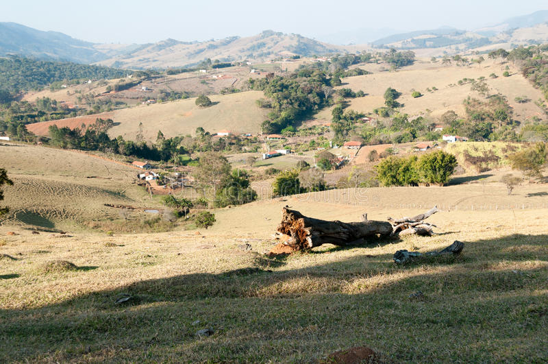Долина между горами стоковое фото