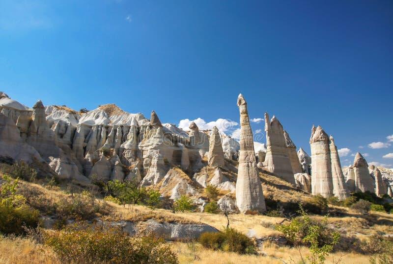Долина около Goreme, Cappadocia влюбленности, Турция стоковые изображения rf