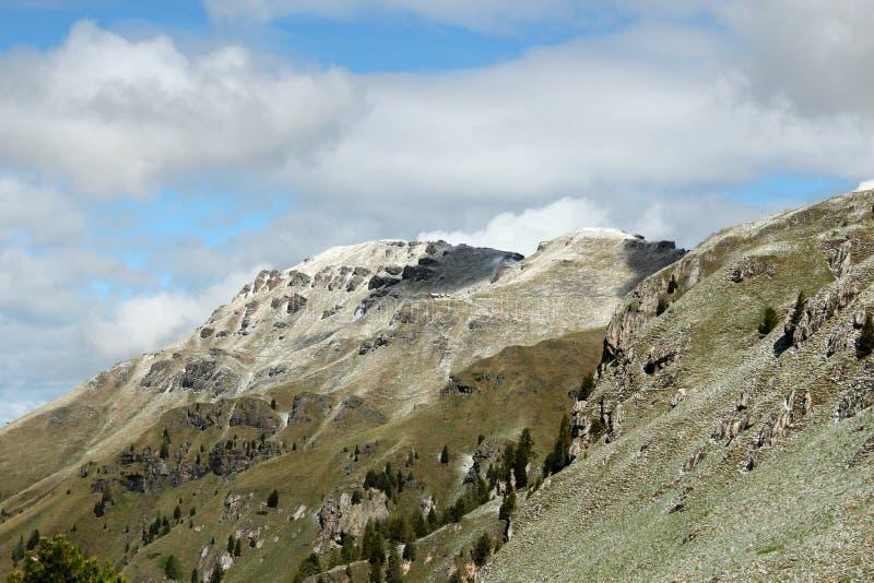 Доломиты гор Snowy - итальянские Альпы стоковые изображения rf