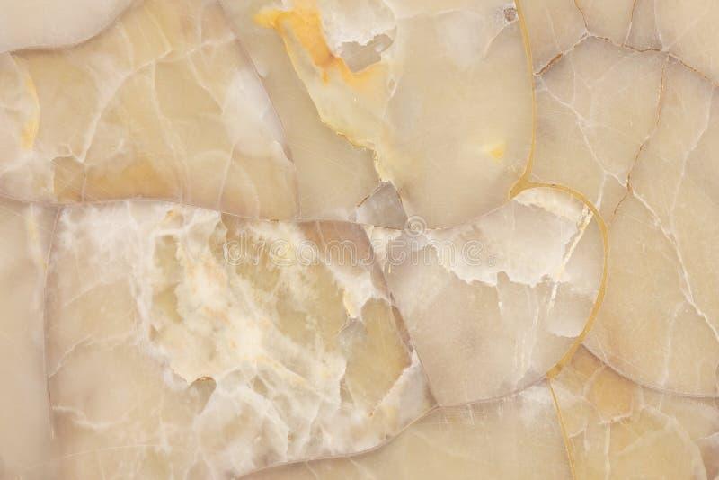 Драгоценная камень агата светя просвечивающей текстуре, свету меда кварца самоцвета - желтой предпосылке стоковые фото