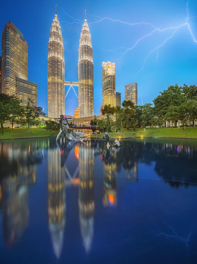 Драматическая сцена грозы на Малайзии стоковое изображение rf