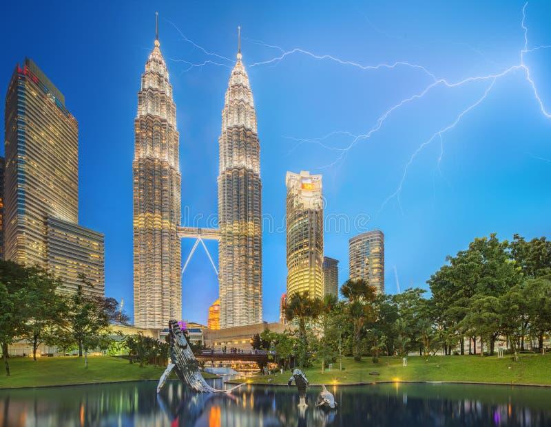 Драматическая сцена грозы на Малайзии стоковые изображения