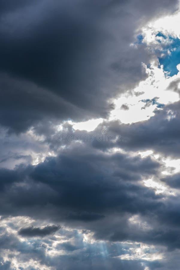 Драматические духовные облака стоковые фото