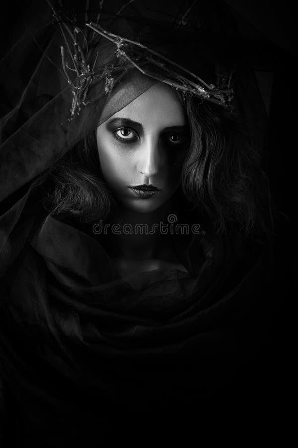драматический женский портрет стоковые изображения rf