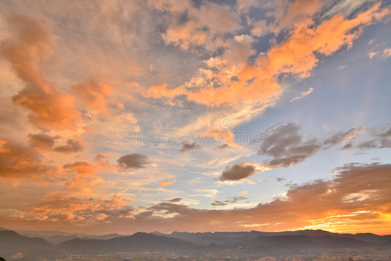 Драматический заход солнца стоковая фотография