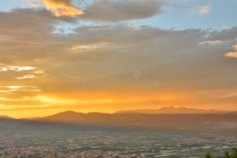 Драматический заход солнца стоковое изображение rf