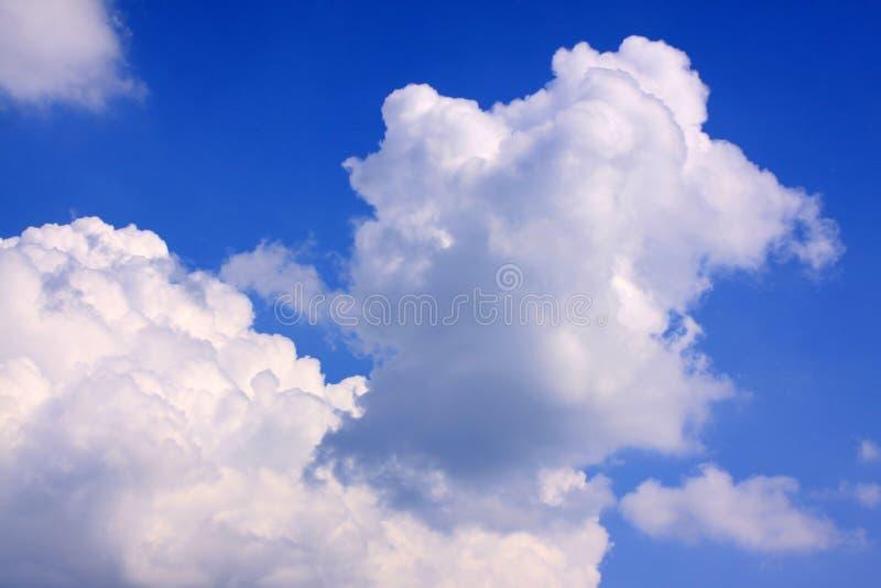 Драматически облачное небо стоковое фото